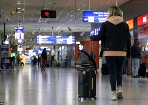 अस्ट्रेलियां आपतकालीन यात्रा प्रतिबन्ध ३ला थप यात